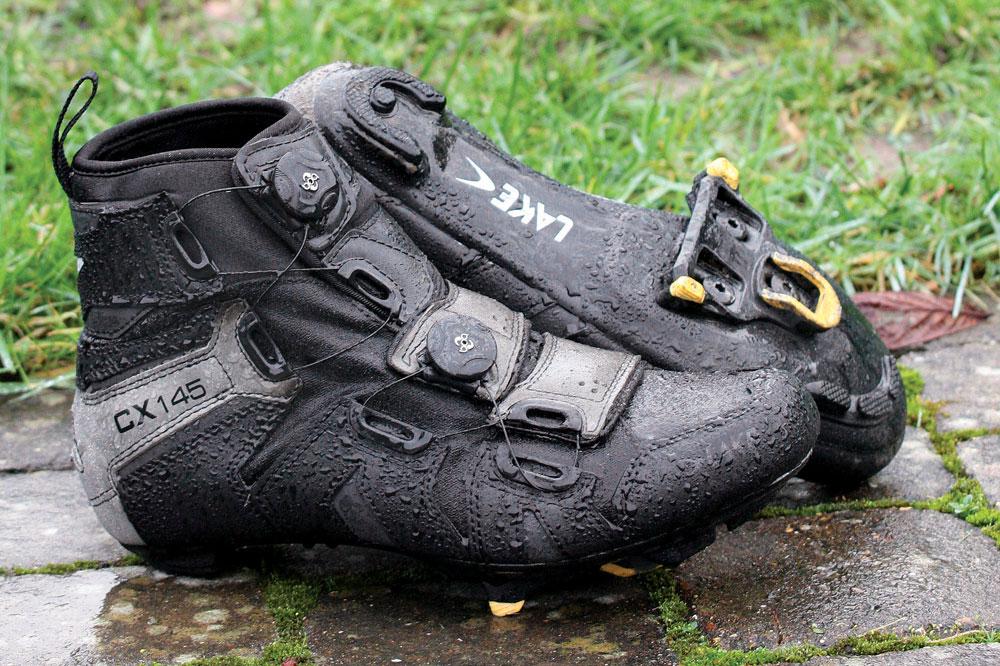 کفش ایمنی ضد آب